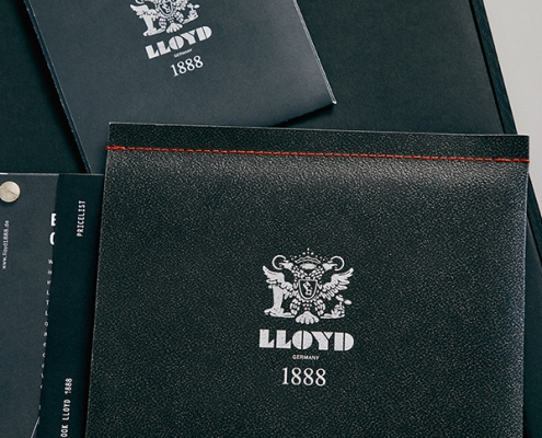 Handvernähte Lloyd Broschüre
